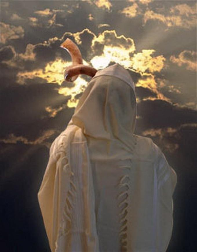 האם אלוקים עושה משפט צדק?